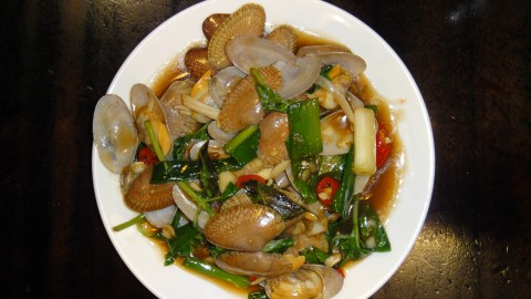 Clams in chili and ginger sauce.
